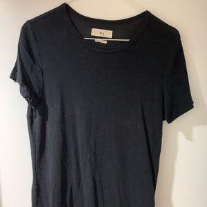 Aritzia TNA Black t shirt